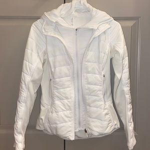Lululemon Extra mile jacket Sz 2!